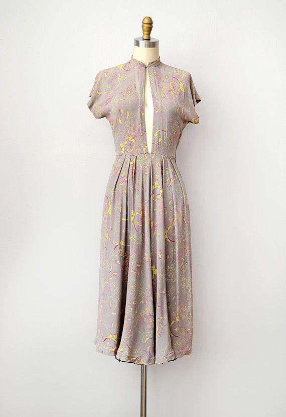 vintage 1940s keyhole front rayon dress