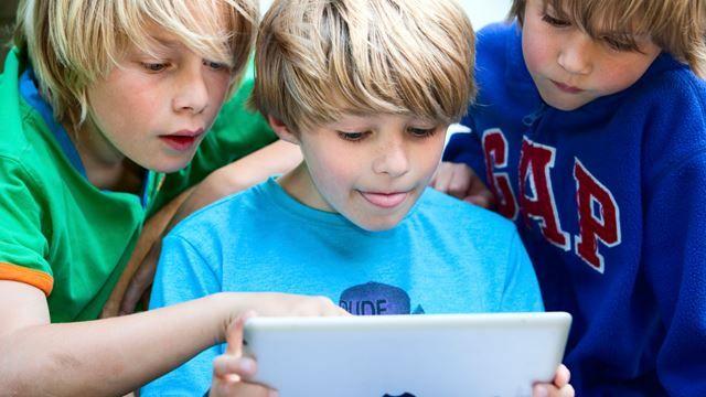 Dit barn behøver ikke spille iPad alene: Her er de 8 bedste apps for 2 eller flere spillere | Kiddly