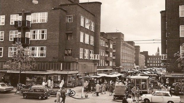 1960's. Open market at the Vespucci Straat in the Baarsjes, Amsterdam. #amsterdam #1960