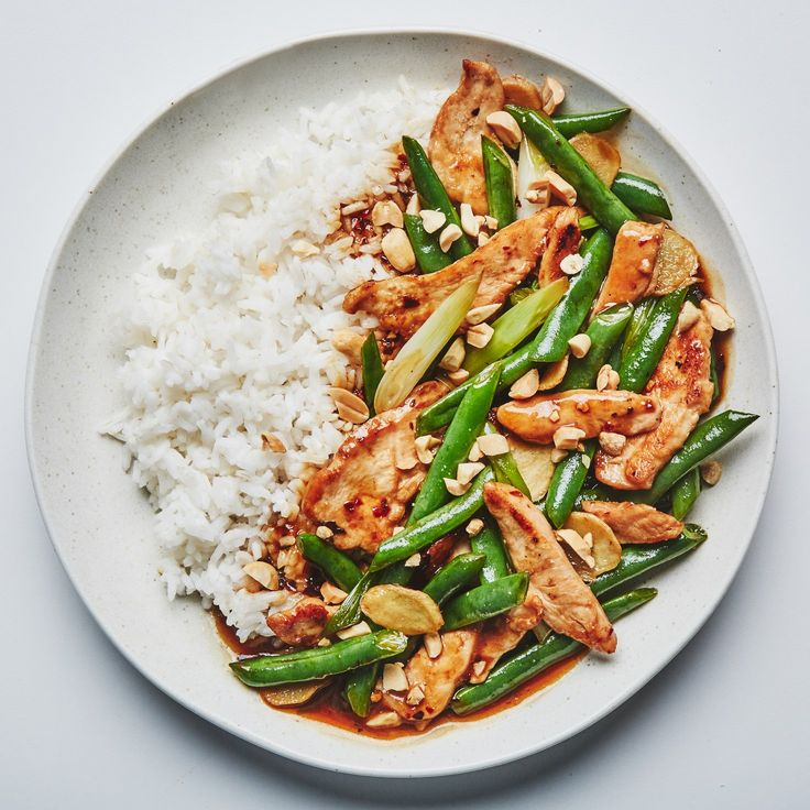 Stir-fry chicken with green beans