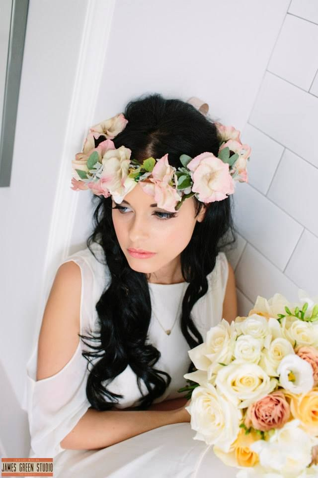 #Bridal #wedding #makeup by #TinaBrocklebank using Bobbi Brown. #Flowers by #TheWeddingandFlowerboutique. Photo by #JamesGreenstudio Model #MerikaAlmond at #HealingManor