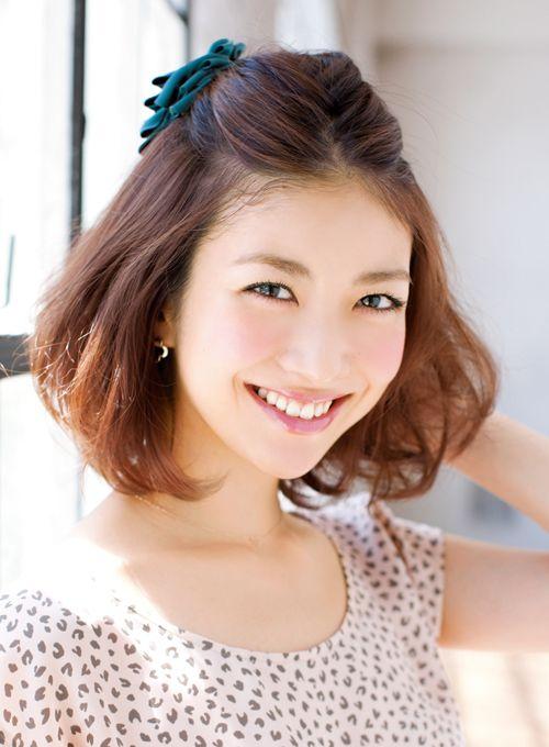 【簡単!前髪アレンジ】伸ばしかけの前髪をスッキリと可愛く♡愛される髪型になっちゃいましょう♪おすすめヘアアレンジ方法5選♡ | GIRLY