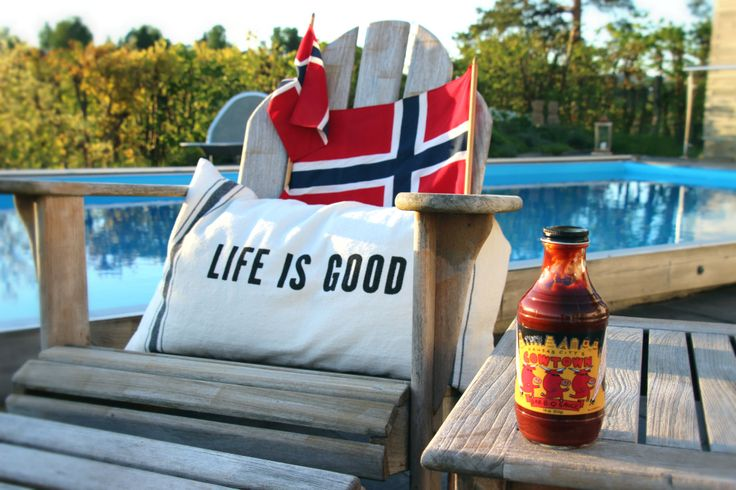 Cowtown grillsaus by the Pool på selveste 17. Mai http://grillhagen.no/collections/alle-produkter/products/cowtown-bbq-orginal-saus