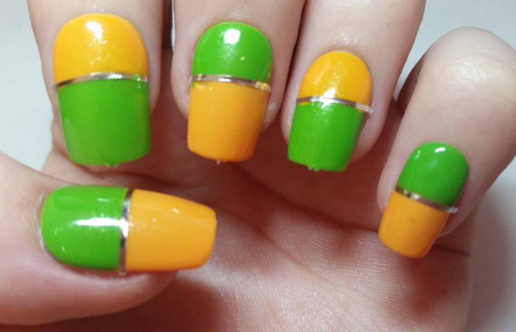 A personal favourite from my Etsy shop https://www.etsy.com/uk/listing/237292147/green-yellow-fake-nails-false-nails  #fakenails #falsenails #nailart #naildesigns #etsy #nail #acrylics #pressonnails #glueonnails #handmade