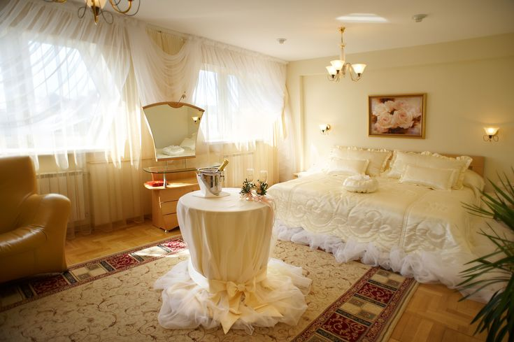 Wedding night bedroom decorating photos google keres s for Romantic night bedroom