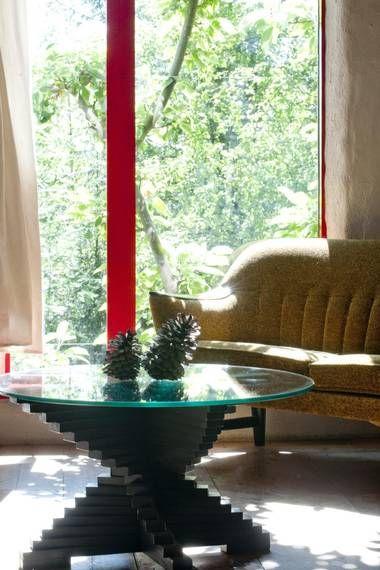 RETRO: Gjenbruk av gamle møbler er naturlig når man er miljøbevisst.