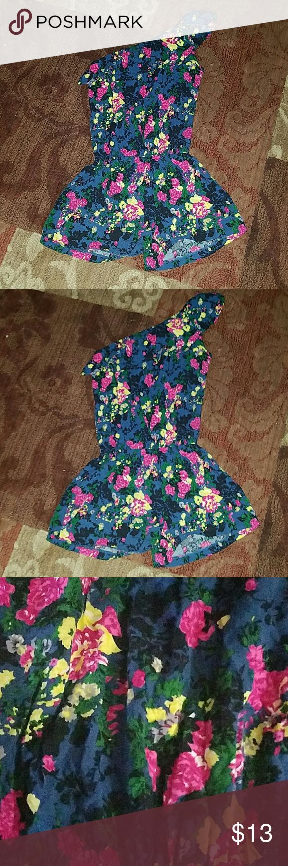 Adorable body central floral romper Adorable body central floral one shoulder shorts romper one piece suit like new 100% rayon hand wash very soft size small Body Central Shorts