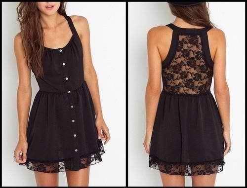 Adorned with accessories would really make this dress pop. Want it!