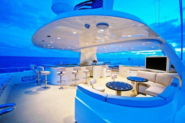 SUPERB YACHTS -         Time for aperitif with your beloved and a few dear friends... Champagne and sashimis...