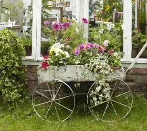 superior-antique-garden-decor-1-vintage-garden-decorating-ideas-