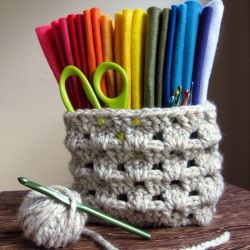 Someone put together a list of links to the best youtube videos so as to learn how to crochet. hope they work!!..:P