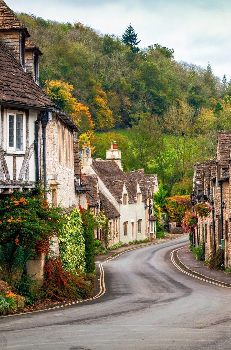 6 Of The Prettiest Cotswold Villages