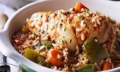 Cette recette pour la mijoteuse est remplie de poulet, de légumes et de riz. Si vous faites revenir le poulet et sautez les légumes la veille, vous pourrez facilement préparer ce plat un matin de semaine. Le dîner sera prêt à votre rentrée! | Le Poulet du Québec