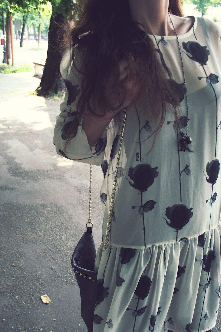 my #rose dress ;) @Pois  #fashion #dress #romantic #rose #style #cool #blackandwhite #summer #spring #madeinitaly #roses #floral