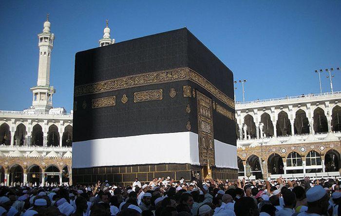 Кааба, черный камень. Мекка-Саудовская Аравия.