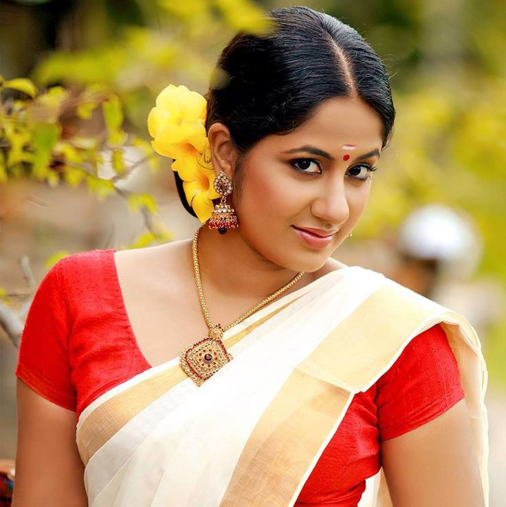 Kerala Hairstyles For Girls: 1000+ Images About Kerala Saree On Pinterest