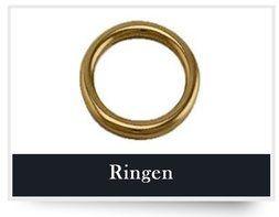 Ringen zijn er in vele soorten en maten zoals D-ringen, O-ringen, ovale ringen, rechthoekige ringen en vierkanten ringen. Ze zijn verkrijgbaar in verschillende kleuren,de meest voorkomende kleuren zijn nikkel, goud en antiek brass. Op het gebied van materiaal wordt zamac, messing en kunststof het meest gebruikt.
