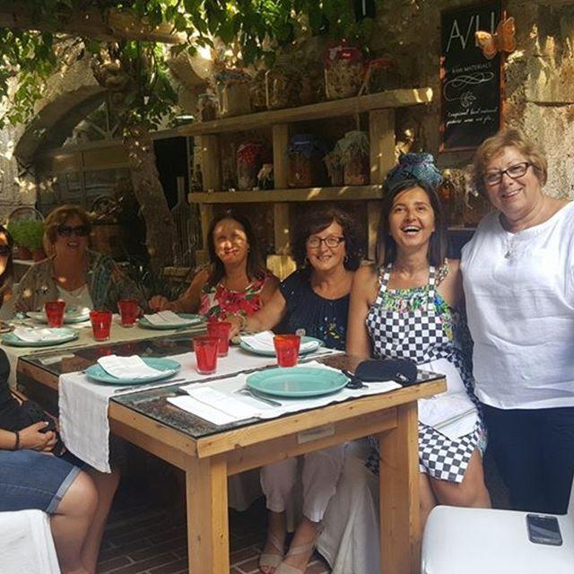 we_are_cretans#cookinglessons #biggroupswelcome #rethymno #touristincrete #creteisland