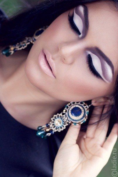 In the name of purple.Love the Makeup and them Earrings!!!