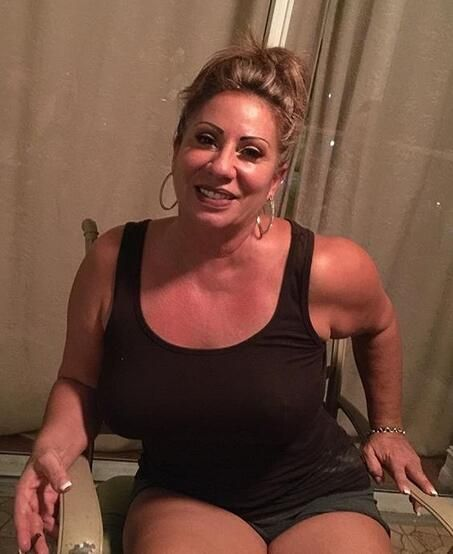 isabela single women over 50 Isabella 33 yo colombian woman isabella seeking man 35-50 for marriage or long time relationship view all colombian brides free profiles of colombian brides, girls, single colombian women seeking men online for love, colombian dating, romance and.