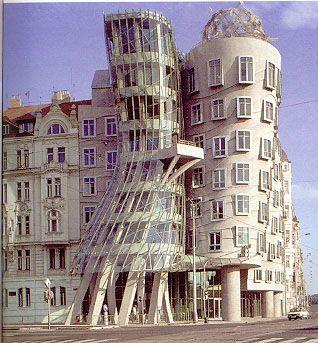 Dancing Building (Prague, Czech Rep.)
