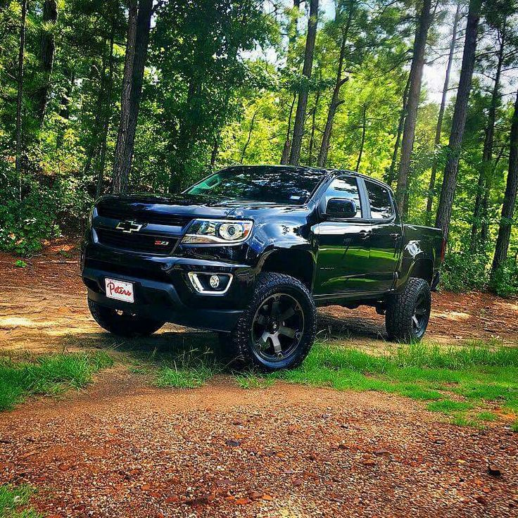 2016 Chevrolet Colorado Z71 lifted; this may even have the wheels I want too