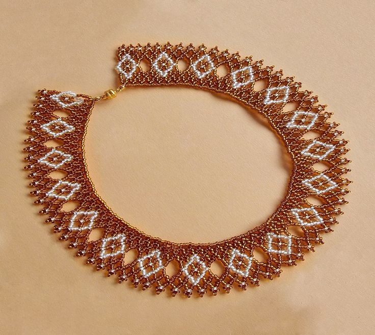 Free pattern for beaded necklace Hot Sand U need seed beads 11/0