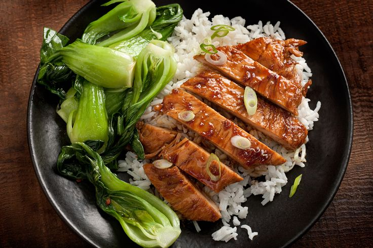 In this recipe, boneless, skinless chicken breasts or thighs are sautéed and cooked in a soy sauce, honey, and ginger sauce.
