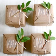 wrapping idea http://www.deal-shop.com/product/bridesmaid-gifts-circles-necklace/