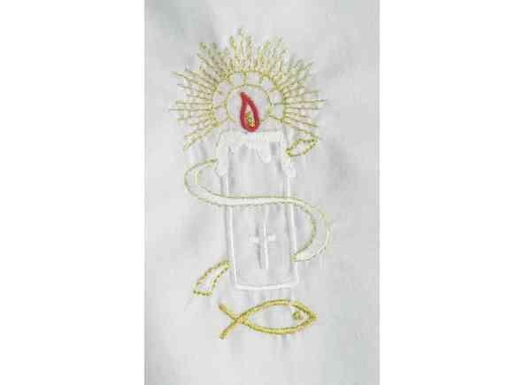 Vestido para Bautismo con bordado. Ropa para bebés confeccionada en 65% poliéster y 35% algodón. Bordado con una vela con Cruz. Vestido unisex, para niños y niñas / Baptismal gown in 65% polyester and 35% cotton. (1/2) http://www.articulosreligiososbrabander.es/ropa-traje-vestido-bautizo-bautismo-bordado-vela.html #Bautizo #Bautismo #Sacramento #Baptismal #Sacrament