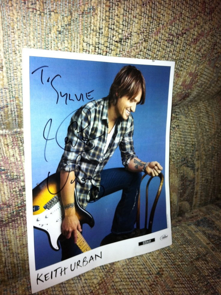 @Keith Urban autographed this picture and he addressed it to me which has been framed and is on my night table! I received it on December 23, 2010 as a Thank you from Keith and www.keithurban.net