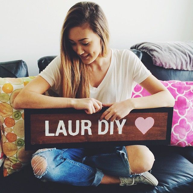 "::Laurdiy::""hey everyone! I'm lauren, but call me laur""I smile""I'm 17 and single, but looking. I'm a Youtuber, diyer, and a crafter""I laugh""I'm pretty lame because I make Diys. Anyway I like traveling, going to the beach, and pretty much anything. That's it about me, come say hi?""(can someone maybe play as Alex wasabi since they're dating in real life?)"