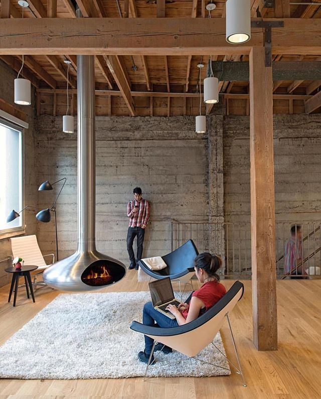 The Industrial-esque beauty of exposed supportive beams & ceiling joists ~ what's your thoughts, are you a fan of the look? 💭 Giant Pixel Office (2014) by Studio O+A Architects located in San Francisco ~ another young & innovative company making a fortune in the Tech Industry! 📷 by Jasper Sanidad