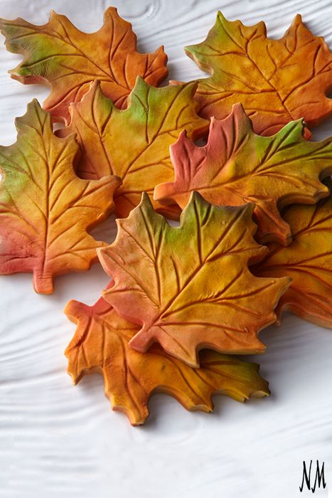 Maple Leaf cookies from the Frosted Art Bakery are the perfect hostess or housewarming gift. Pair with pumpkin spice lattes for a Fall treat.