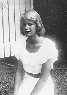 """October 27, 1932. HAPPY BIRTHDAY SYLVIA PLATH """"The hardest thing is to live richly in the present without letting it be tainted out of fear for the future or regret for the past."""""""
