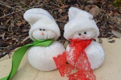 DIY: Sock Snowmen