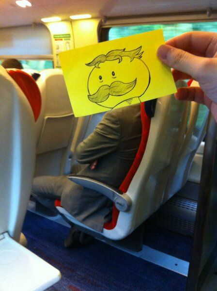 This Guy made his Train ride #Funny and enjoyable with Post-it Notes, these Literally makes you #LOL
