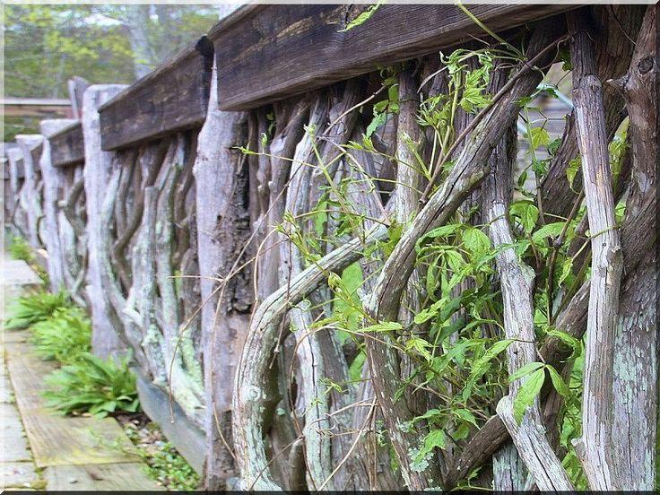 akác fakerítés, zulu kerítéselemek, kérgezett elemek értékesítése Taliándörögd, fatelep