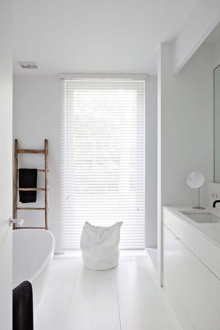 An inspiring Modern take on the Scandinavian bathroom via APRIL AND MAY.
