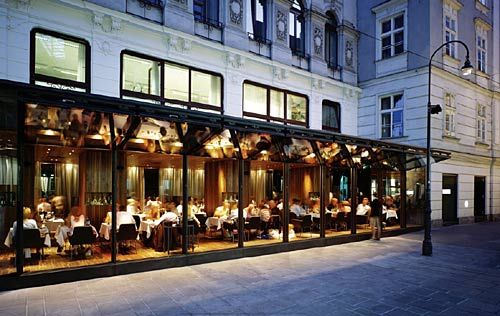 The fa ade of the fabios restaurant in vienna image for Restaurant window design