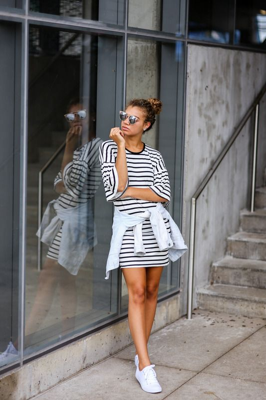 sprint outfit ideas | striped dress, denim jacket, white sneakers | fashion blogger | style