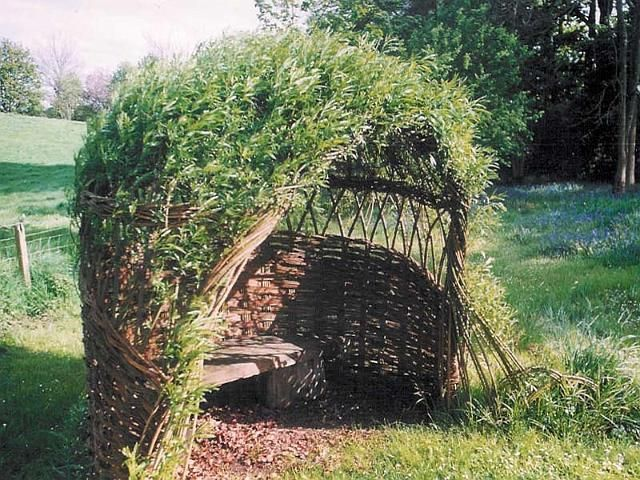 Living willow dome with basket weave sides - Trevor Leat, Dumfries