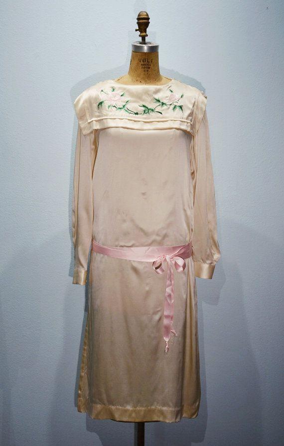 Etsy の 中国シルクの Dropwaist シフト ドレスフラッパーグレート  ギャツビー by StashonYork