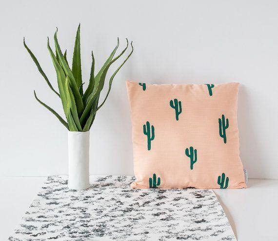 Coussin impression cactus - pêche & vert - 16 x 16