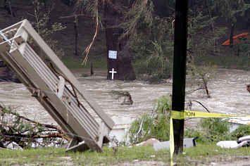 Dallas, Fort Worth Under Flash Flood Warning As Obama Declares Emergency