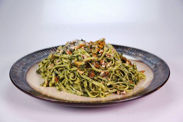 (veganize) the chew | Recipe  | Sunny Anderson's Creamy Collard Pesto With Pasta And Mushrooms