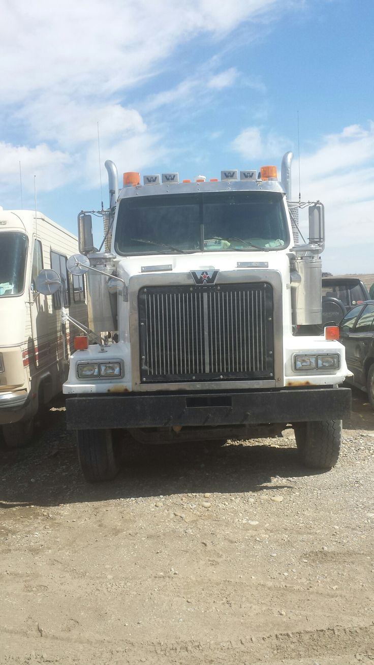 2001 western star 4964 550hp cat c15 18spd retired now and pending sale