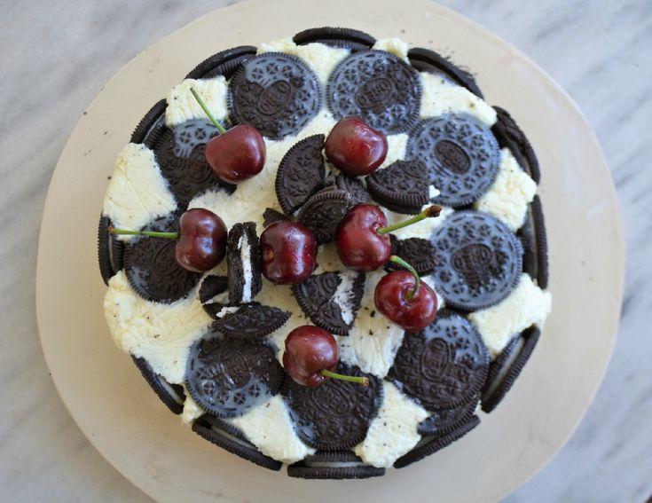 Τούρτα με λευκή σοκολάτα και μπισκότα - Sweetly