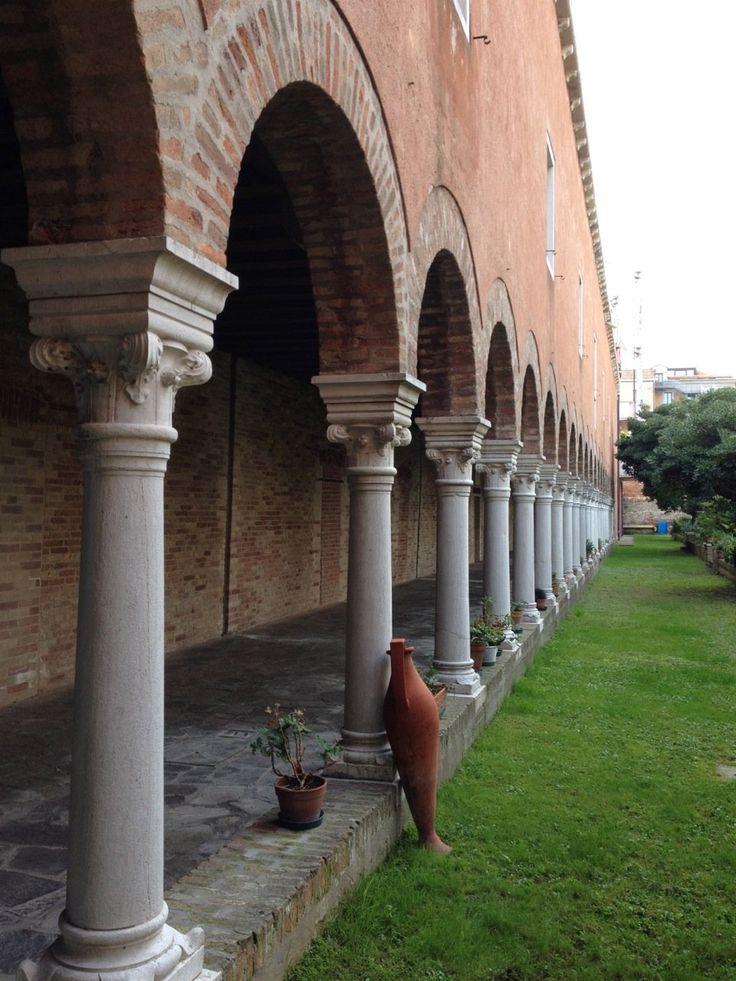 Les arcades du jardin de S. Francesco della Vigna