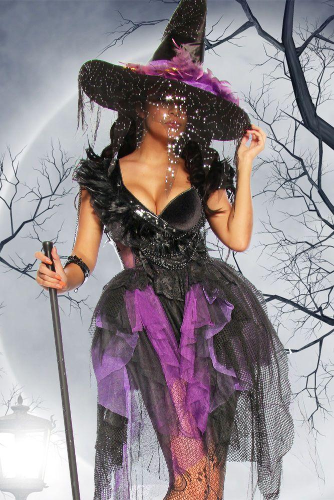 Sehr hochwertiges Hexen/Gothic-Kostüm aus Tüll, Spitze, Federn und Lack. Das aufwendig und detailreich gearbeitete Kleid ist dekorativ mit vielen Ketten verziert. Eine Kette führt zu einem Lackarmband, welches flexibel umgelegt werden kann. | eBay!
